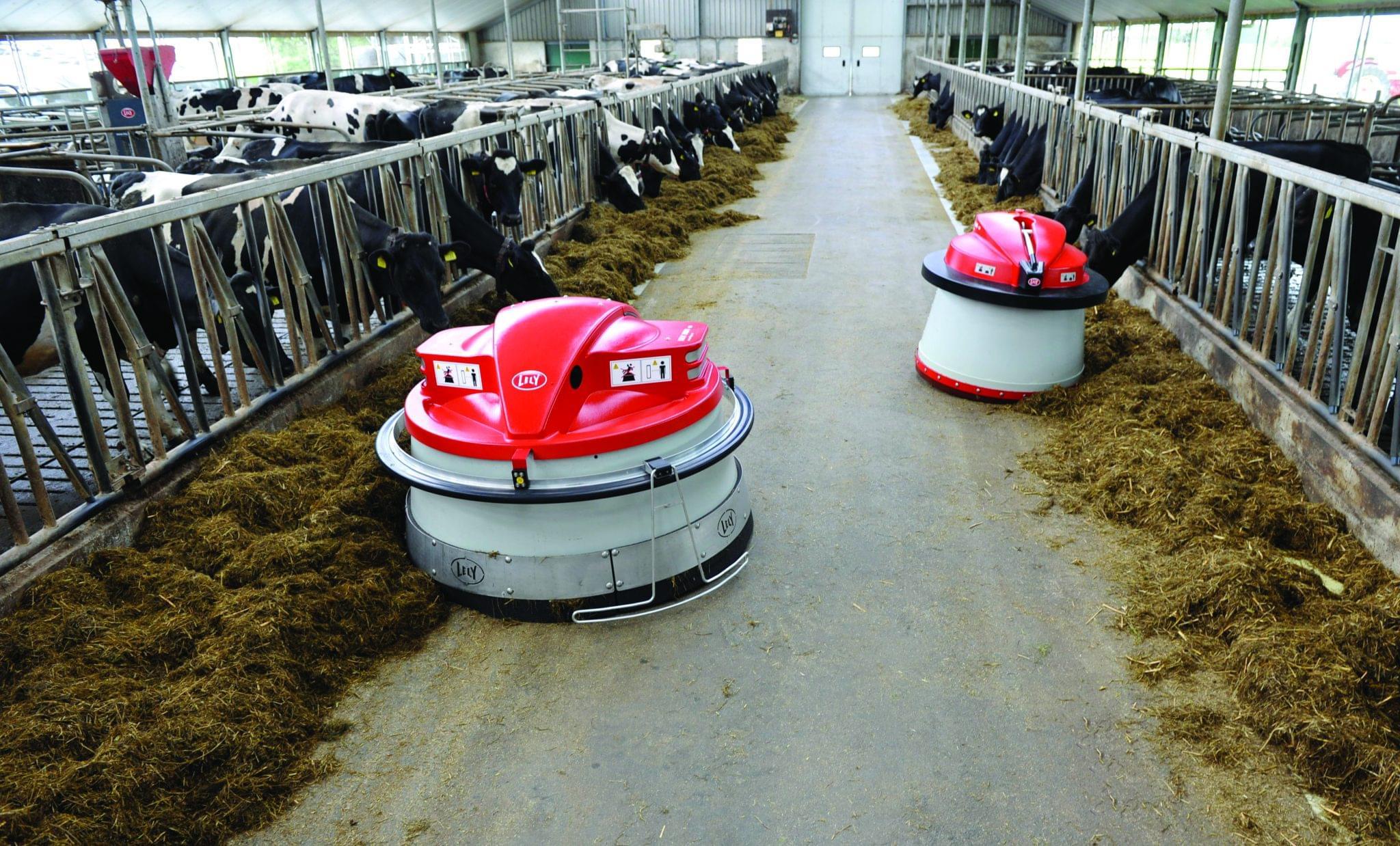 Roboti de impins hrana Lely